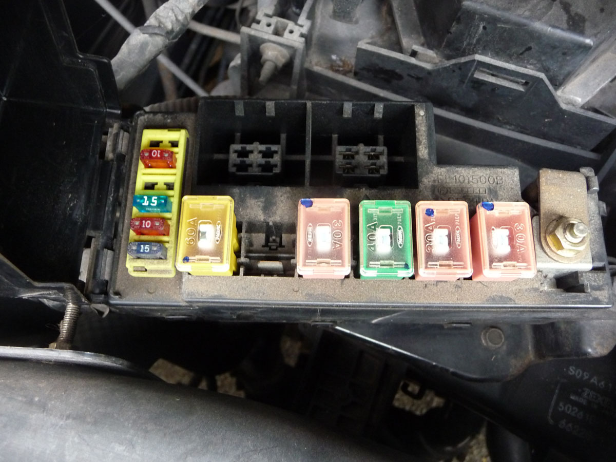Fuses Bongo Buddy 2001 Nissan 16 Internal Fuse Box Diagram